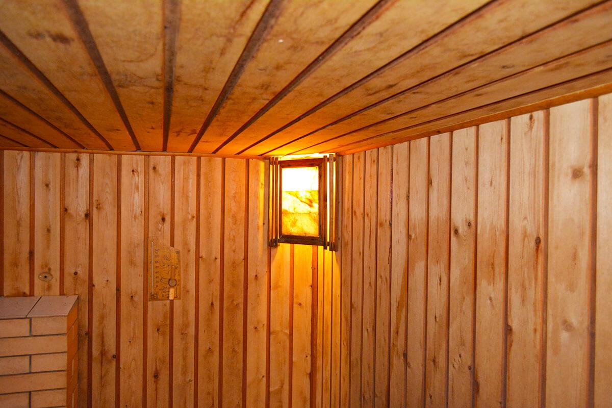 Баню дровах попариться берзовыми дубовыми вениками